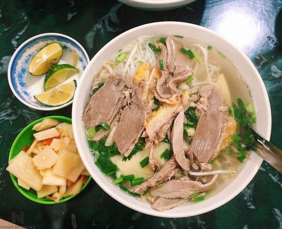 Goose noodle soup (bun ngan)