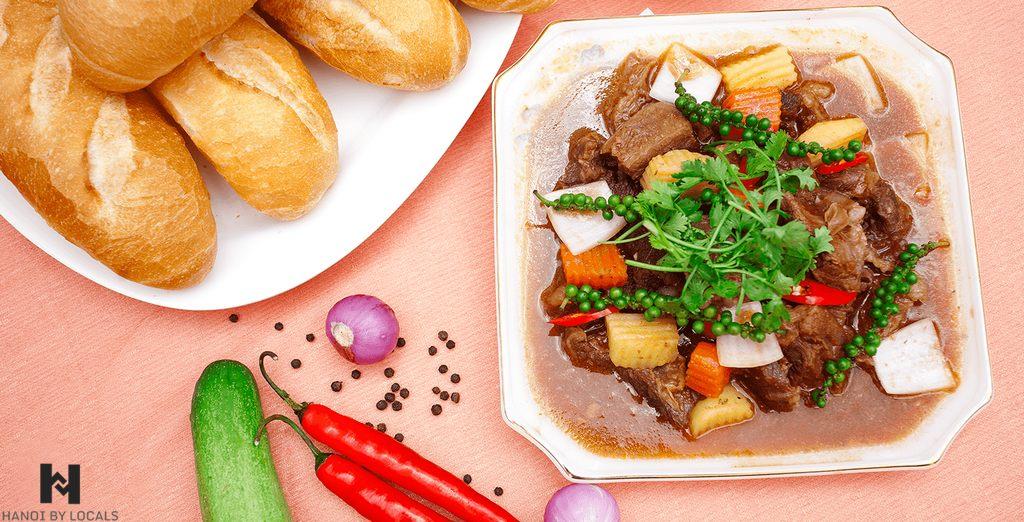 Bread stew (banh mi sot vang)